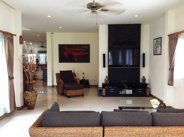 Luxury House For Rent in East Pattaya
