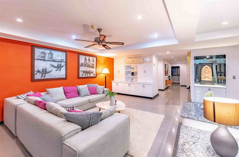 Luxury Penthouse Condo for Sale in Jomtien Beach.