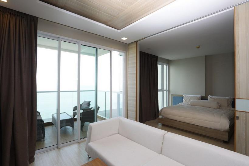 Luxury Beachfront Condo for Sale Jomtien Beach Rd.