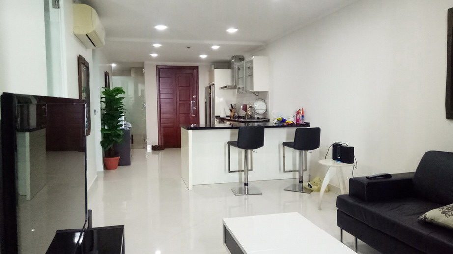 Sea View 2 Bedrooms Condo for Rent in Wongamat Beach