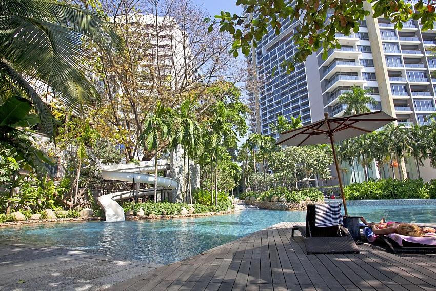 Beachfront Condominium Sale and for Rent in Wongamat Beach Pattaya