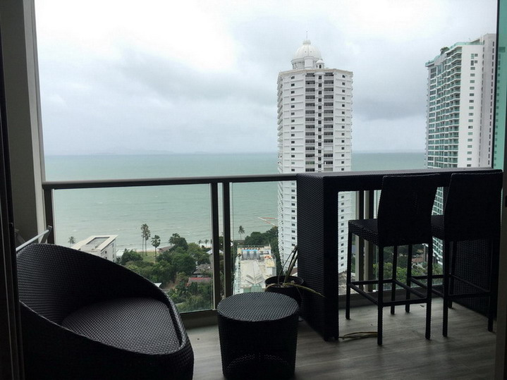 Sea View 2 Bedrooms Condo for Rent in Wong Amat, Pattaya