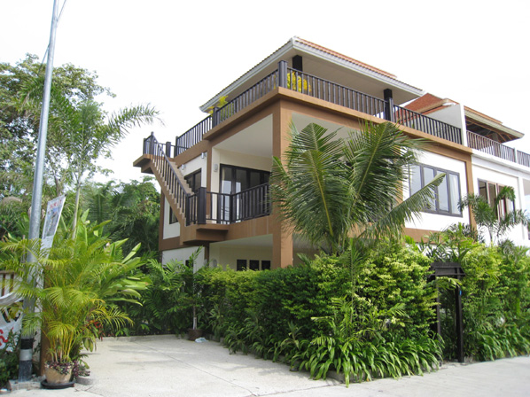 Luxurious Villa on Pratumnak Hill for Sale and Rent