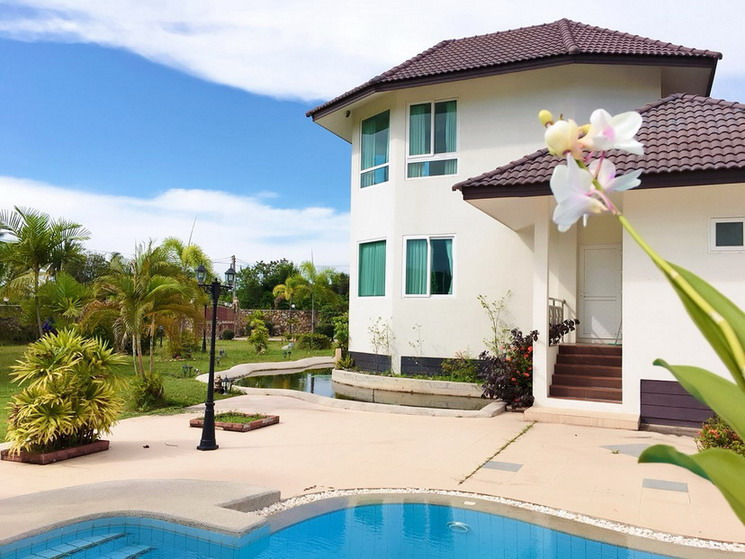 Pool Villa for Sale and Rent Na Jomtien