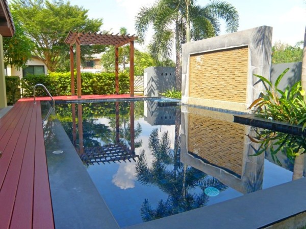 Pool Villa For Rent in East Pattaya Thailand