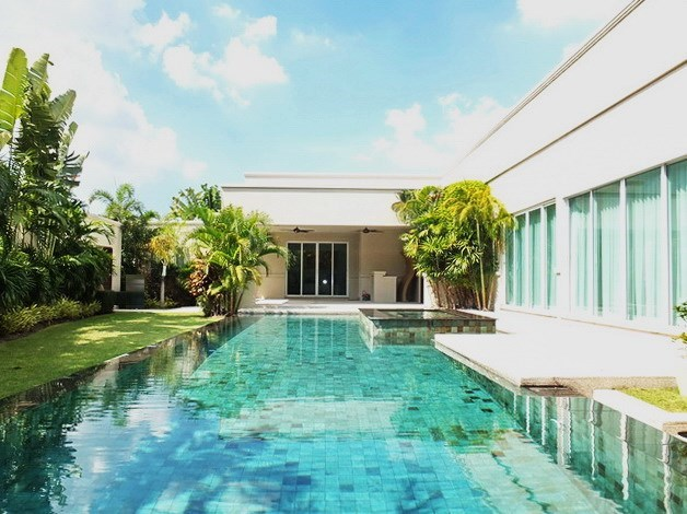 Luxury Homes for Rent in Pong East Pattaya Thailand